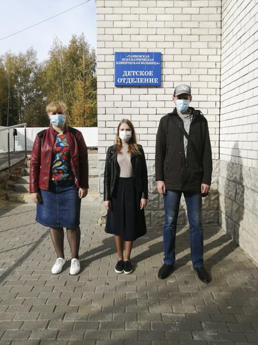 Православные волонтеры посетили детские лечебные учреждения