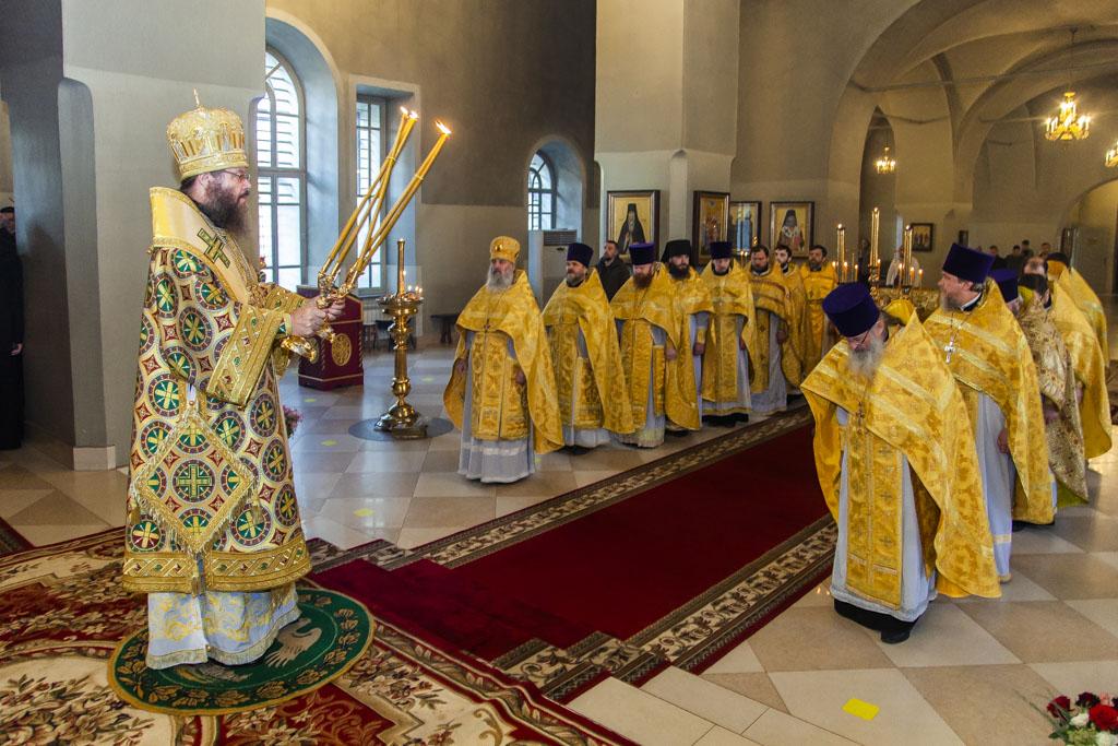 В Актовый день Тамбовской духовной семинарии митрополит Феодосий совершил Божественную литургию в Казанском мужском монастыре города Тамбова