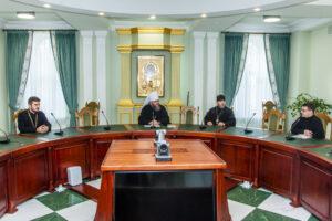 Митрополит Феодосий встретился с преподавателями семинарии — соискателями ученых степеней