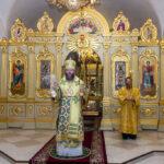 В Неделю 18-ю по Пятидесятнице митрополит Феодосий совершил Божественную литургию в Спасо-Преображенском соборе